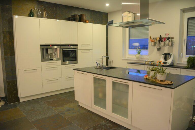 Küche & Wohnwand